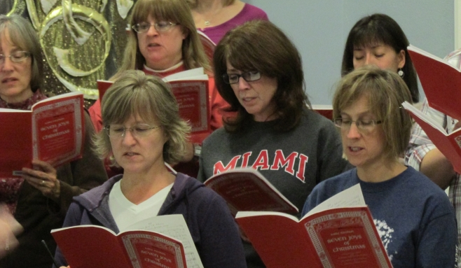 Chorale_at_work_for_Wintersong_031